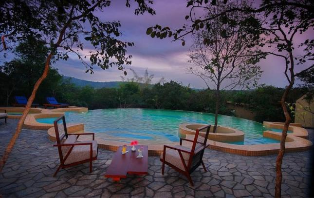 Top infinity pools near bangalore for Resorts in bandipur with swimming pool