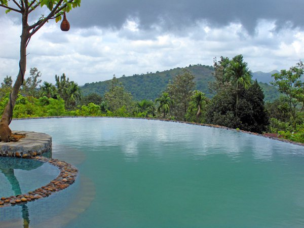 Top infinity pools near bangalore for Swimming pool near sahakar nagar bangalore