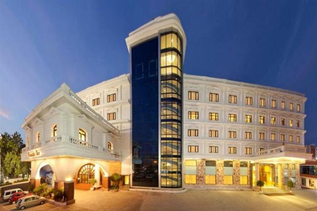 Anandha inn pondicherry photos reviews deals for Best hotels in pondicherry with swimming pool