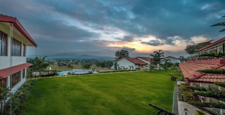 Team Outings Team Building And Offsites To Tee Off With The Boss Coorg Lifeisoutside